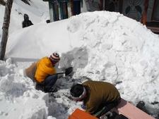 Machhapuchhre Snow Removal