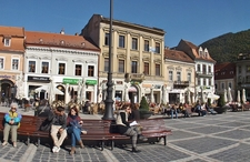Brasov Council Square Visitors