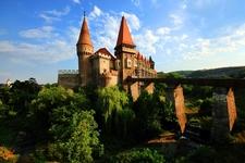 Corvinesti Castle - Hunedoara