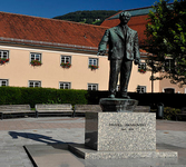 Daniel Swarovski Monument