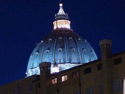 Italia RomaBasilica S. Pietro Cupol Notte