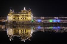 Harmandir Sahib Lit Guru Nanak Jayanti