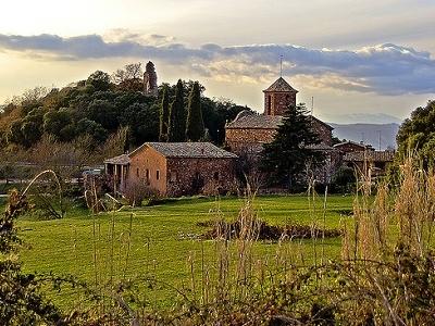 L'església D'El Brull Al Vespre - Catalonia Spain