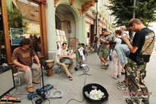 Muzica Stradala La Doi Pasi De Piata Mare - Sibiu City