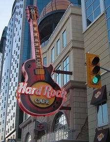Niagra_Falls_Hard_Rock_Cafe