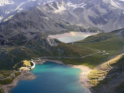 Lago Agnel And Lago Serru