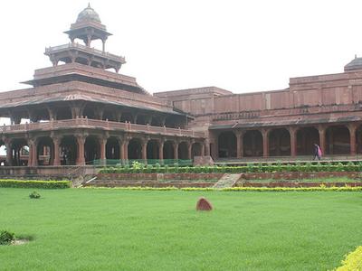 Panch Mahal Gardens