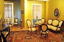 Pelişor Castle - Apartment For Guests