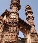 Jhulta Minara