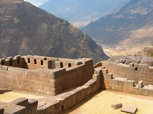 Machu Picchu e Vale Sagrado 2 Day Tour