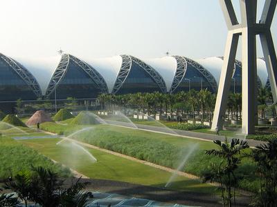 Suvarnabhumi  Airport  Bangkok  Inner  Courtyard
