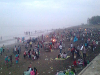Crowd At Tithal Beach On Non Holiday
