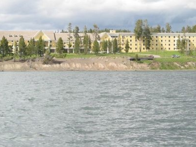 Yellowstone Lake Hotels