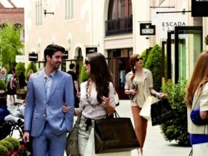 La Roca Village Shopping Day Experience Package with €50 gift card Photos