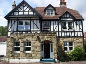 Castle Lodge Guest House