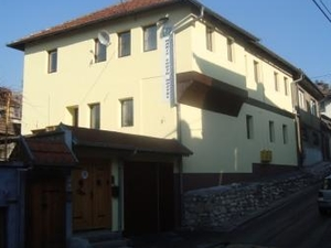 Haris Youth Hostel