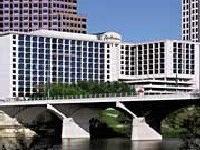 Radisson Hotel Ste Austin Twn Lk
