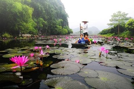 Ha Noi Perfume Pagoda Tour Photos