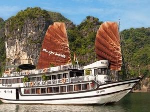 Ha Long Bay on the Viet Beauty Cruise Fotos