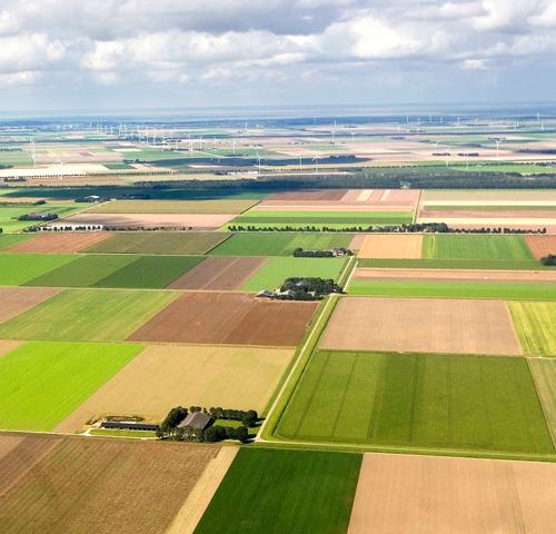Design Your Tour - Airplane Photos