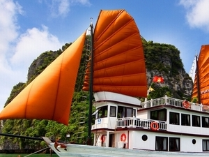 Ha Long Bay Tour Photos