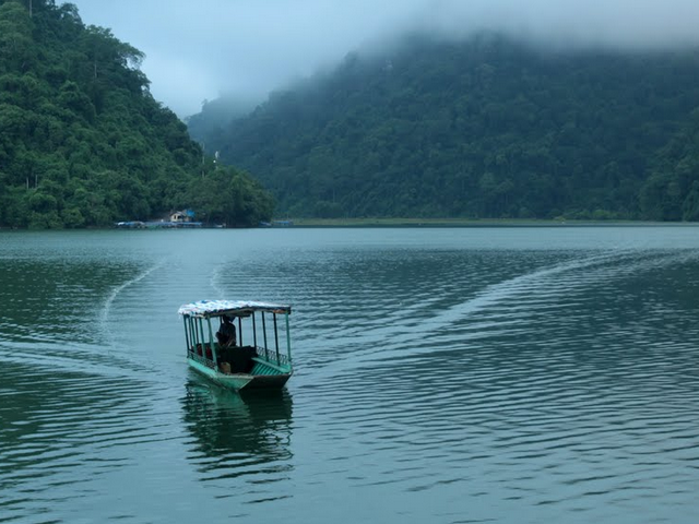Ba Be Lake - Hua Ma Cave Photos