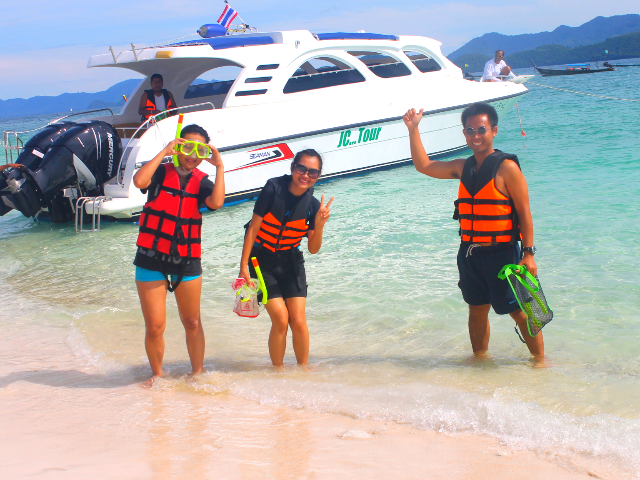 Speed Boat Charter to 3 Islands (Eggs Island) Photos