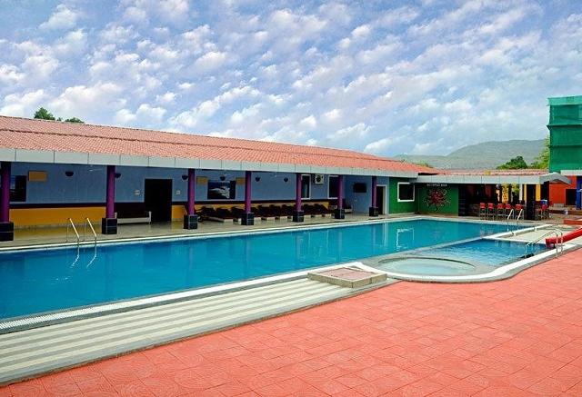007 Universe Resort Photos
