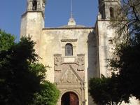 Monasterios en las laderas de Popocatepetl