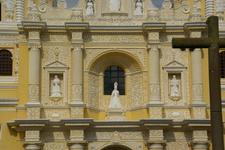 2 0 1 0 . 0 5 . 1 3 . 1 5 4 0 1 5 Fachada Iglesia La Merced