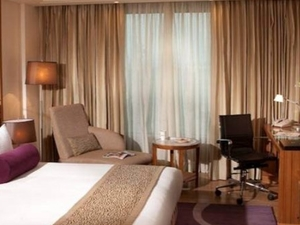 214 Rooms And Suites With Comfortable Amenities