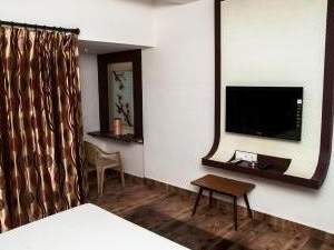Ac Room With Sony Lcd Tv