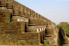 Burma Mrauk U Arakan Paya Koe Thaung Temple
