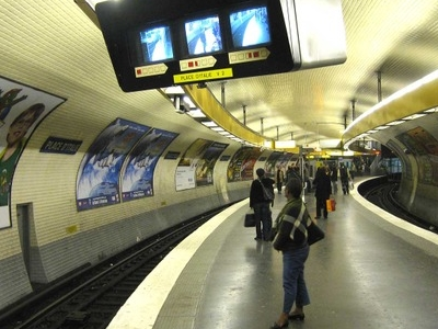 Line 5 Platforms At Place D'Italie