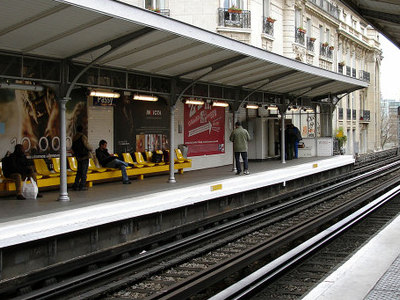 Line 6 Platforms At Passy