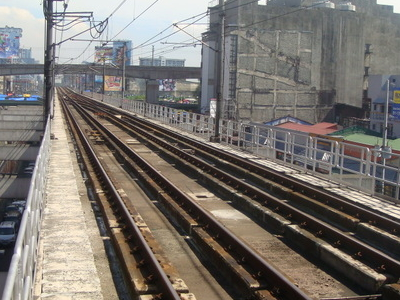 M R T   3  Tracks  Araneta  Center  Cubao  1