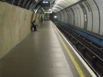 Victoria Line Platform 1