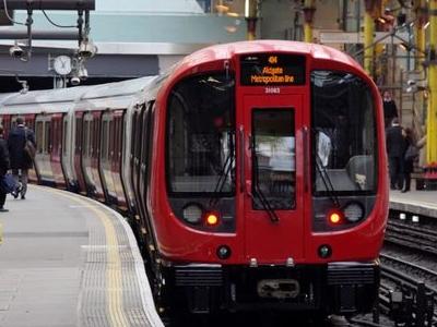 Metropolitan Line S Stock Train At Farringdon