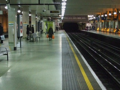Circle And District Line Platforms Looking East