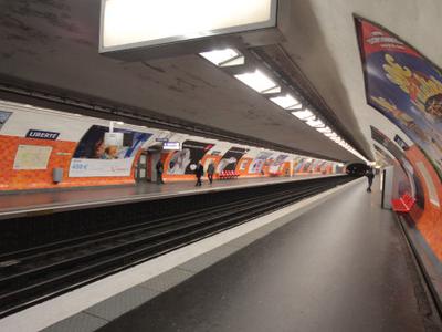 Line 8 Platforms At Liberté