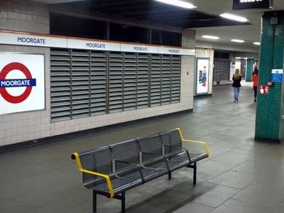 Platform 1 At Moorgate Station