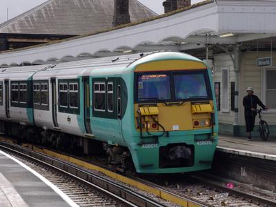 Southern Class 456 EMU 456011 Calls At Battersea Park