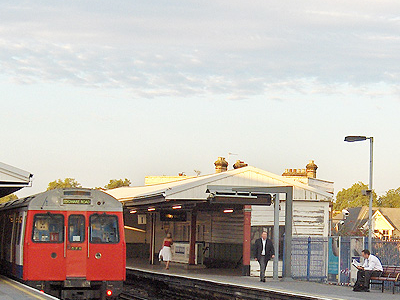 Parsons Green Station Platforms