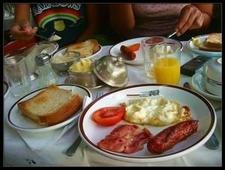 Train Breakfast 2