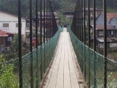 Kolong  Pahat  Hanging  Bridge