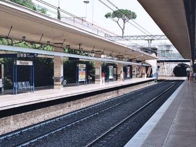 Piramide Station