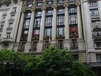 Menéndez Behety Building