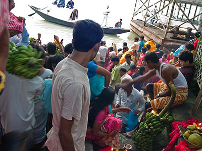 Chhath  Puja At  Babughat In  Kolkata