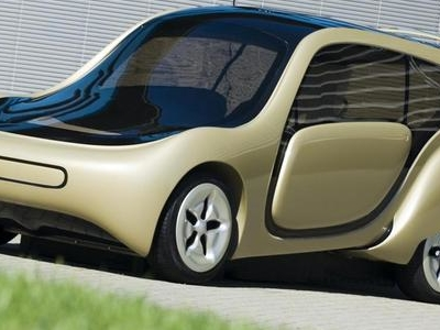 The C,mm,n 1.0, An Electrically Powered Car