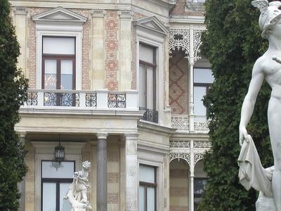 Hermés Statue